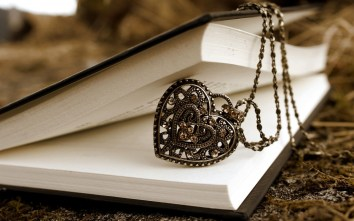 pendant-heart-book-love-1[1]